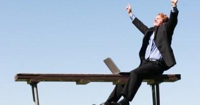7 logiciels d'intelligence pour prospection commerciale : Soyez professionnels, misez sur la technologie