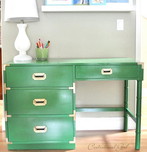 kelly green campaign desk closeup cg