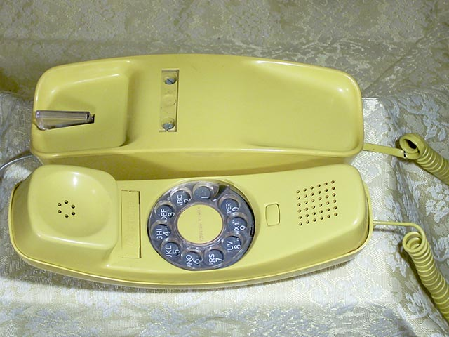 Western Electric Western Electric Wikipedia Phones Western Electric Trimline Yellow 1978