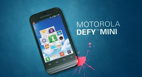 motorola defy mini Motorola Defy Mini resiste hasta el agua