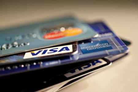 CONDUSEF revela burocracia y engaños de los bancos hacia los usuarios de tarjetas de crédito
