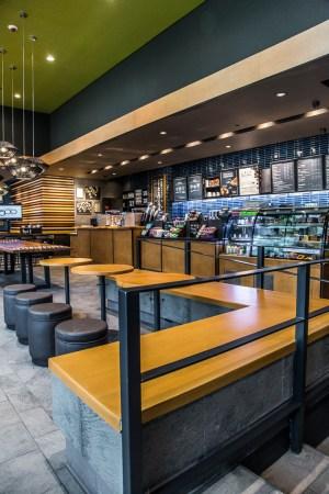 Starbucks celebra la apertura de su tienda 500 en México