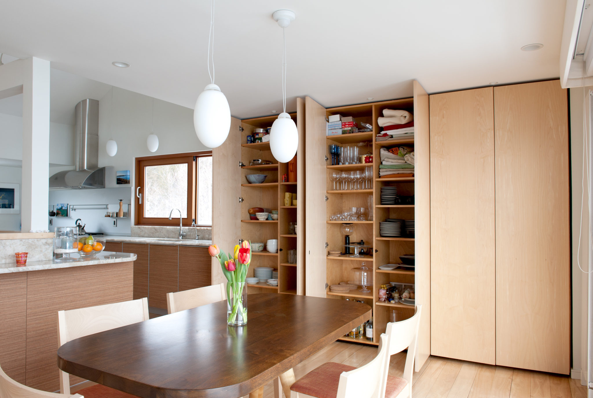 Houzz Kitchen Corner Cabinets What 39s Hot And What 39s Not In 2018 Kitchen Trends