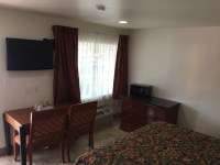 King pillow-top beds   Budget Inn - Roswell