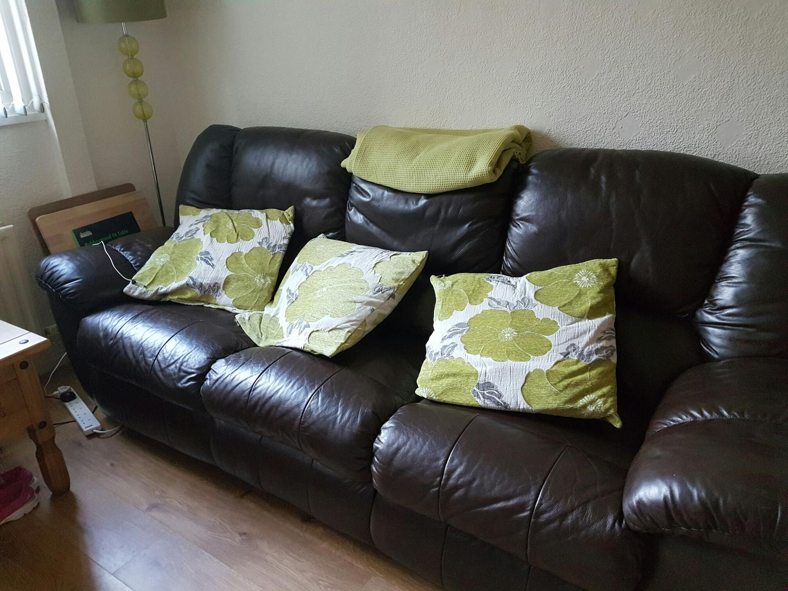 Sofas In Belfast For 150 00 For Sale Shpock
