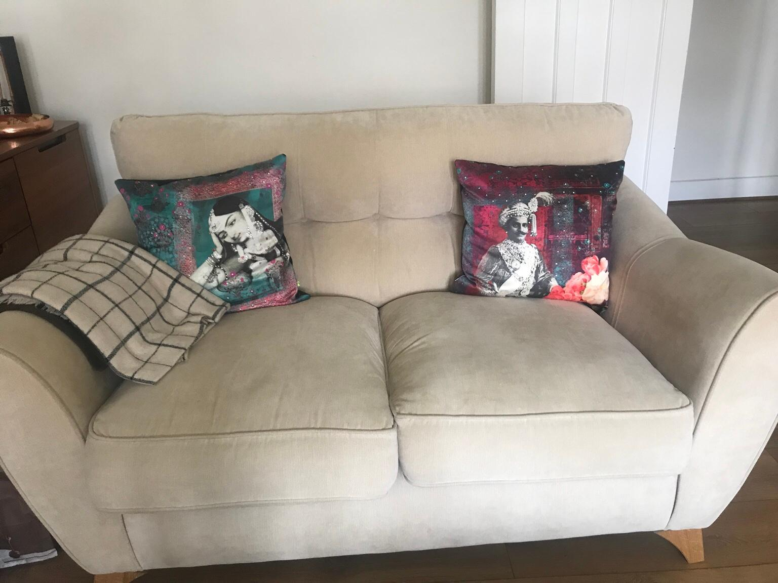 3 And 2 Seater Sofa Set For Sale In Br3 Bromley For 650 00 For Sale Shpock