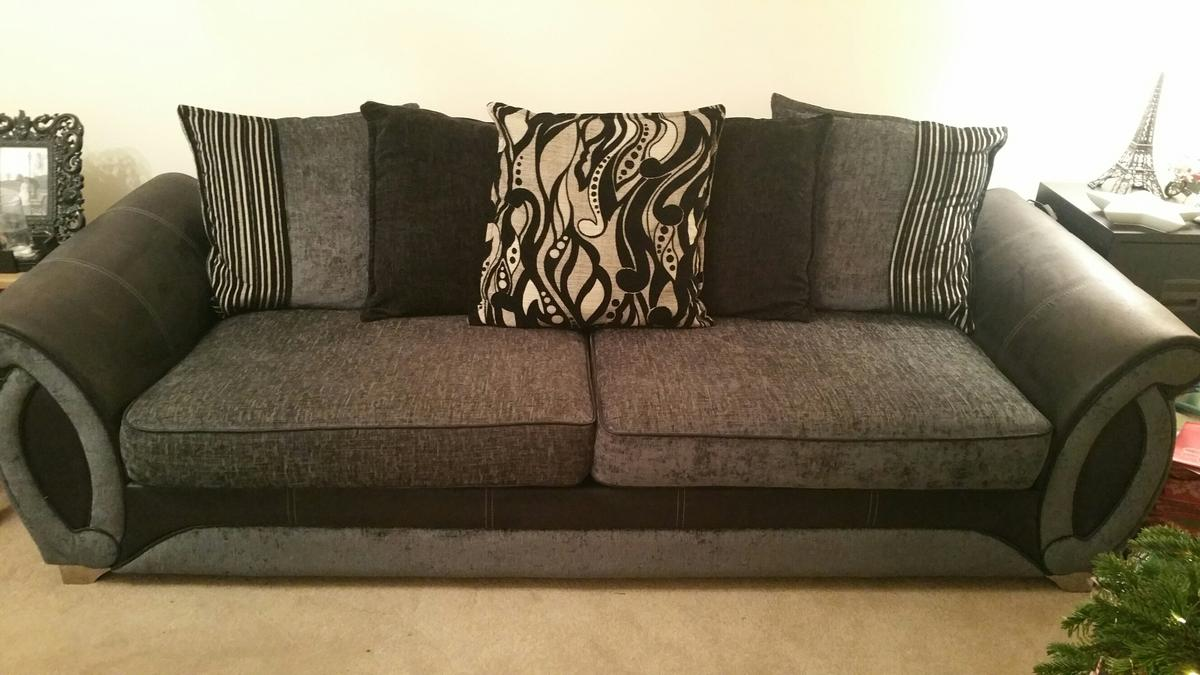 Sofa Bed Eastbourne Dfs Helix Sofa Suite In Bn22 Eastbourne For 1 000 00 For Sale