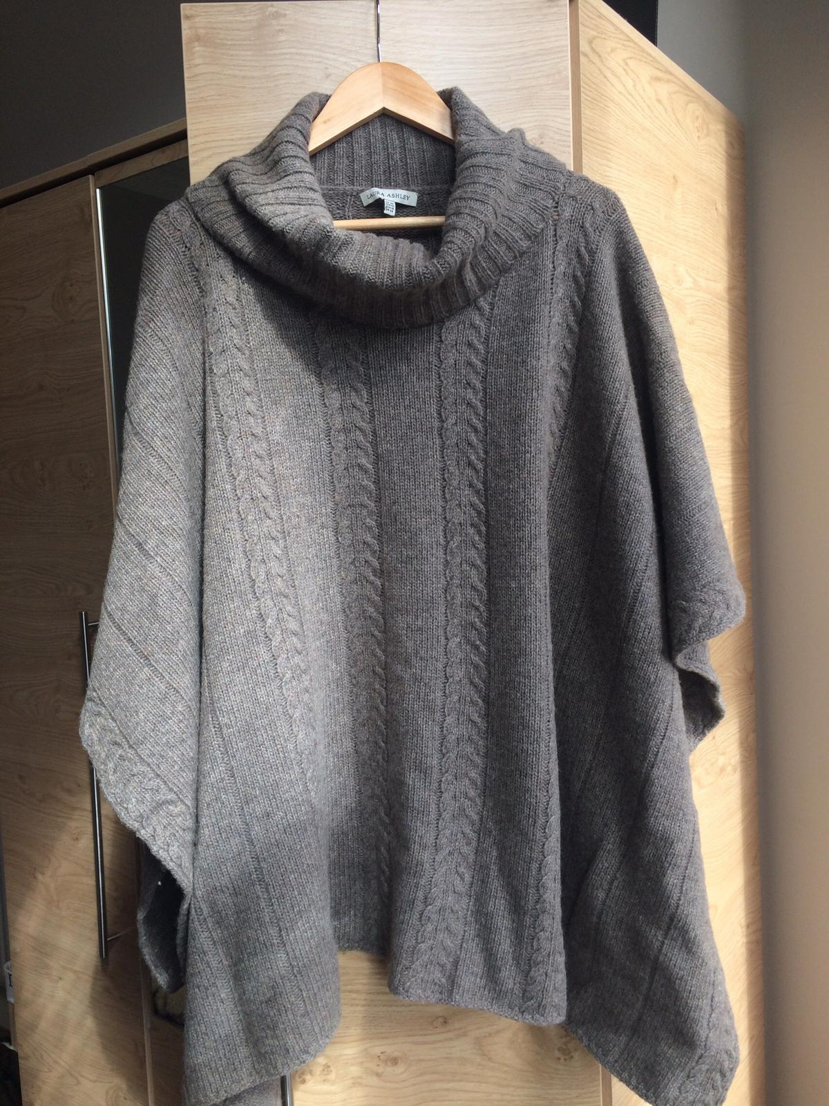 Ponchos Köln Laura Ashley Poncho In Eh9 Edinburgh Für 25 00 Kaufen Shpock