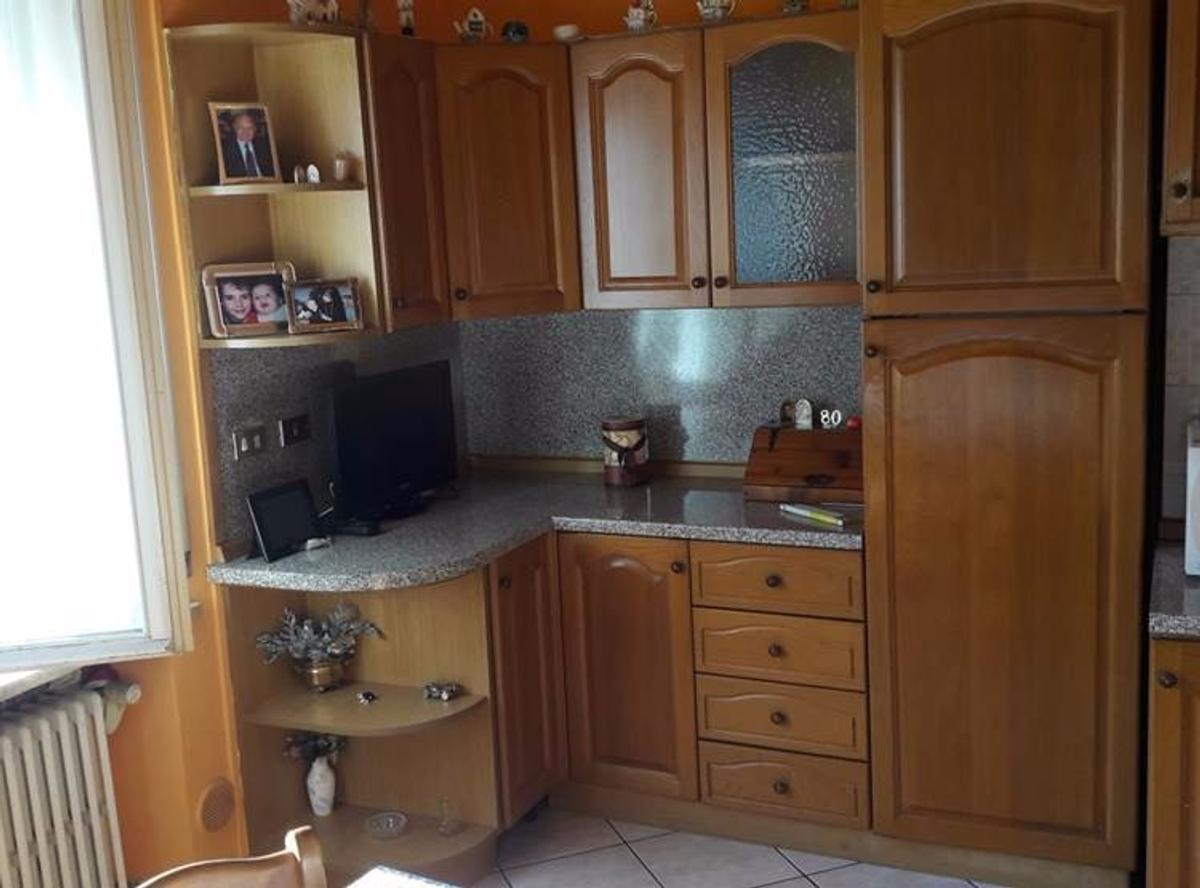 Cucina Completa 200 Euro Cucina Componibile Completa In 13045 Gattinara For 320 00 For
