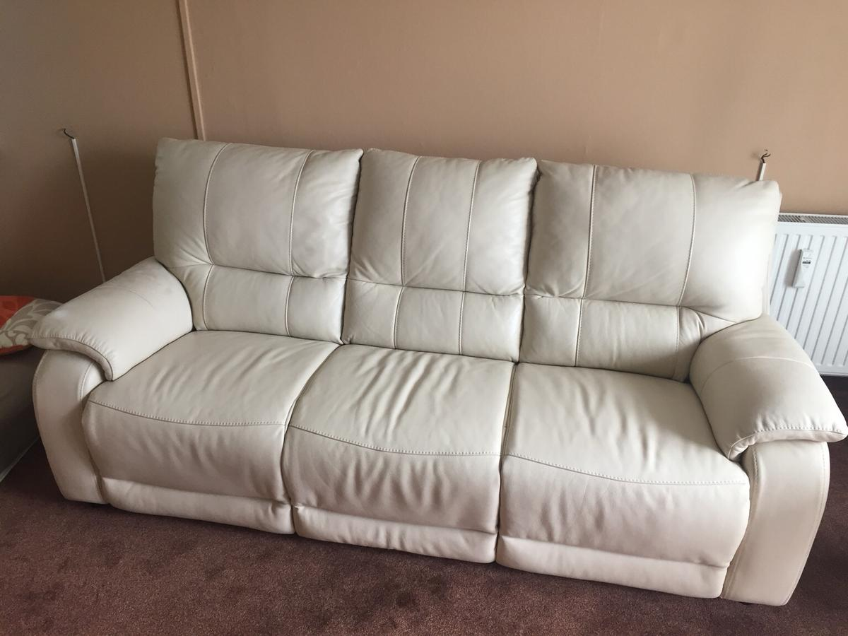 Weiße Beige Ledercouch In Top Zustand In 01589 Riesa For 425 00 For Sale Shpock