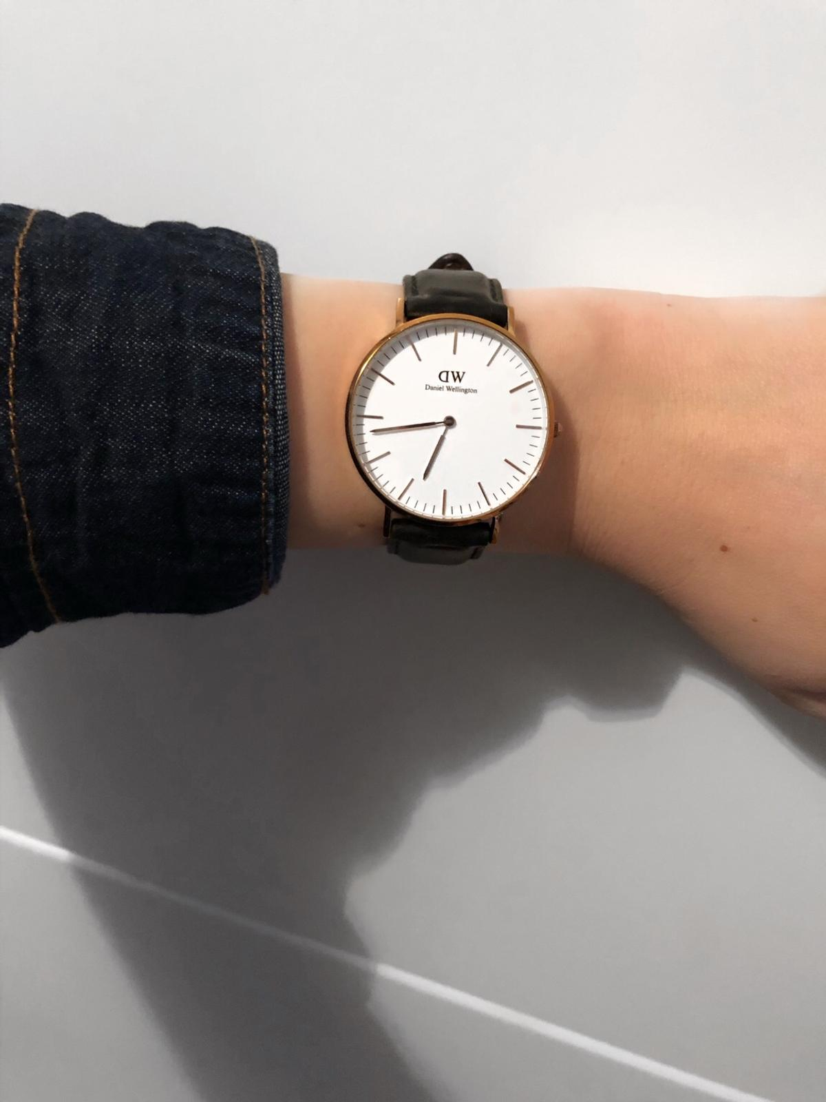 Daniel Wellington Uhr Schwarz Gold In 39418 Staßfurt For 70 00 For Sale Shpock