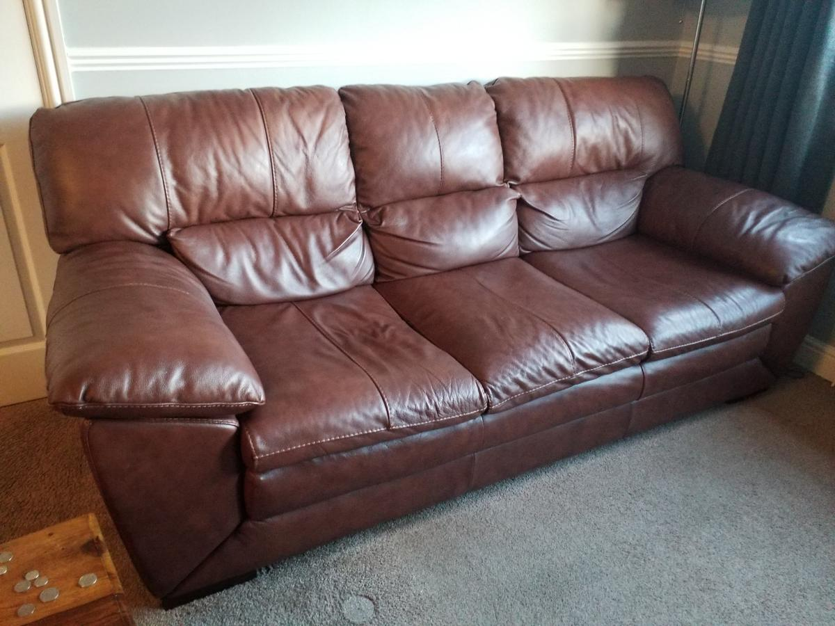 Leather sofa DFS in OL7 Tameside for £175.00 for sale | Shpock