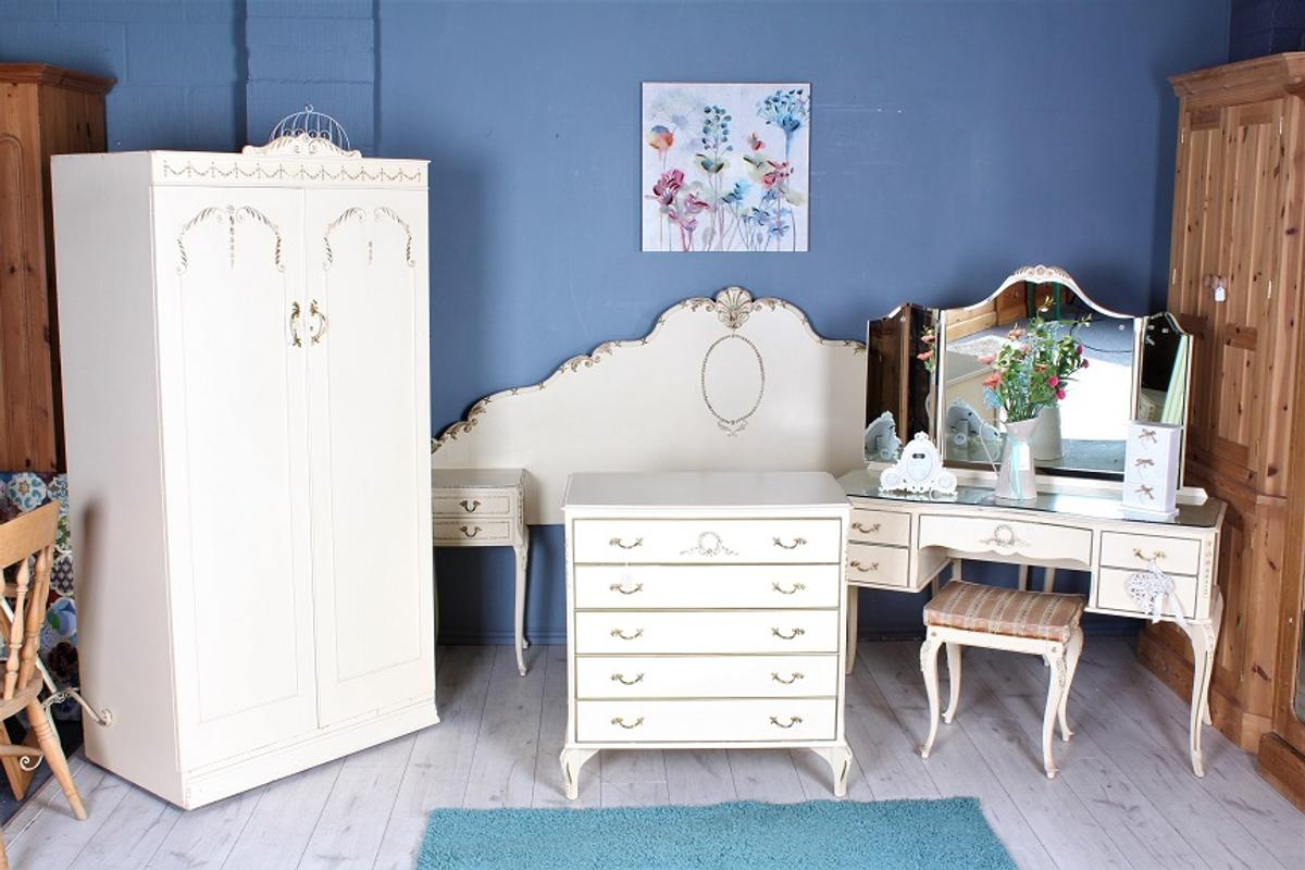 French Louis Style Bedroom Set In Bn22 Eastbourne For 1 00 For Sale Shpock