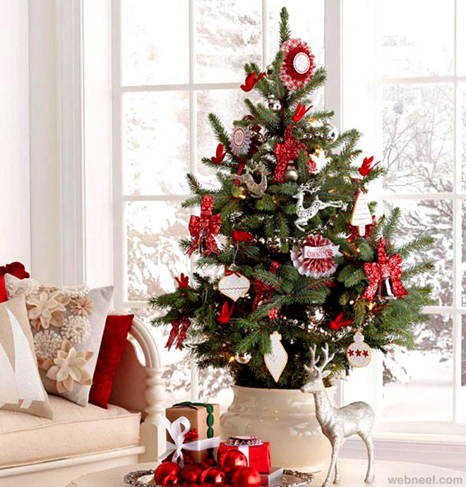 25 Beautiful Christmas Tree Decorating Ideas for your inspiration - small decorated christmas trees