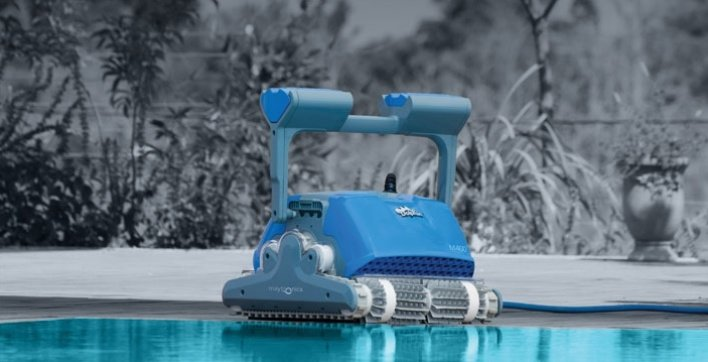 Dolphin Supreme M400 Pool Robot Swimming Pools Webshop