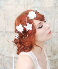 romantic wedding hair accessories bohemian bride | OneWed.com