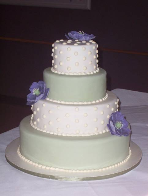 Green & White fondant wedding cake