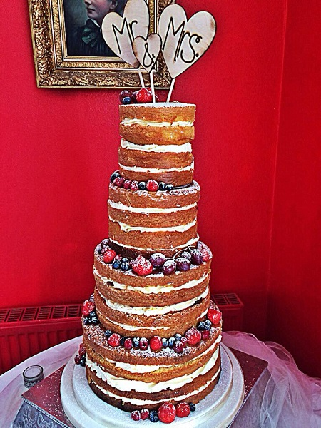 Cake Art Cork : Trace of Cakes, the sugar craft artist from Co. Cork