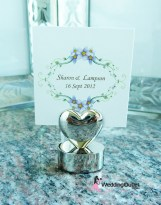 Name card holder heart wedding favour