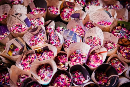 confetti via bridal musings photo by sarah legge photography