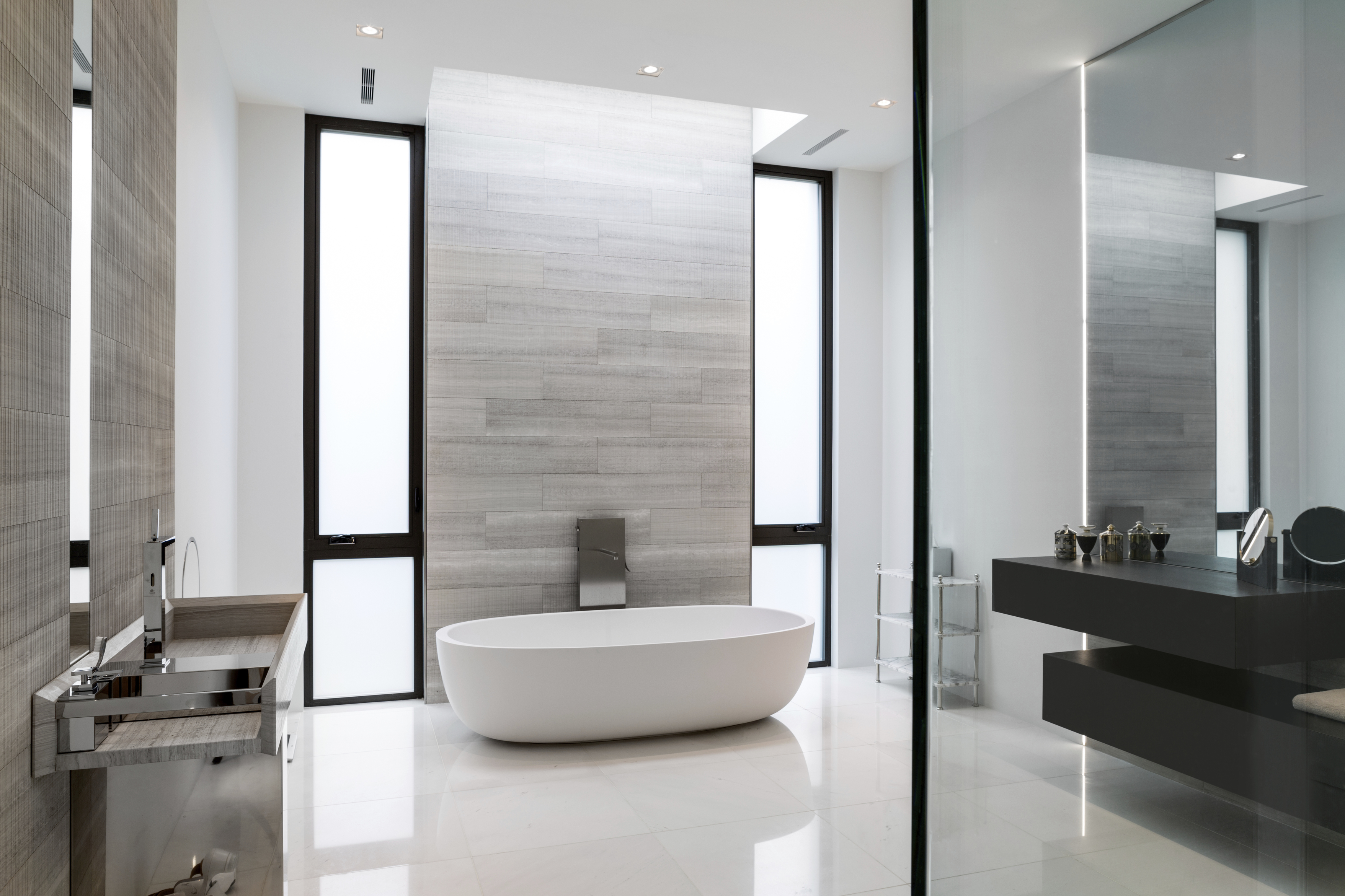 It S Possible To Design A Fabulous Master Bath On A Limited Budget