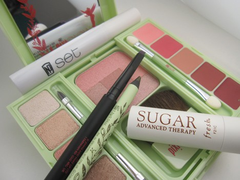 BeautyBoardSpring12A Glam Beauty Board – spring 2012 trend review
