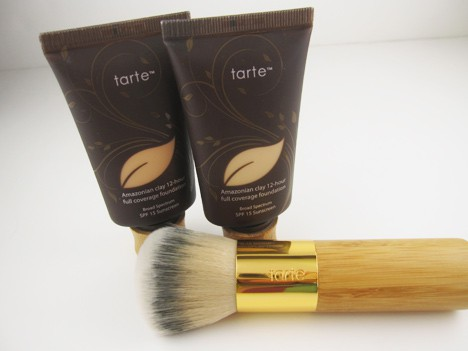 tartefoundation0412 Another reason to heart tarte   the Amazonian Clay Full Coverage Foundation review