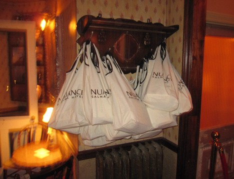 NuanceParty7 Nuance Salma Hayek for CVS   Beauty Blogger Party