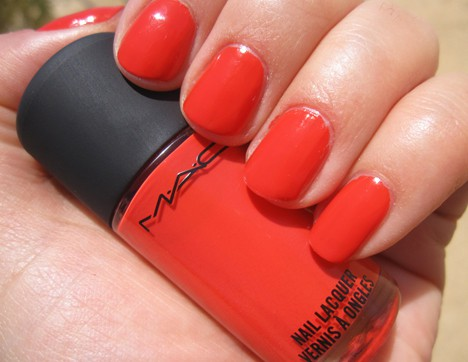 MAC Fashion Sets Ablaze nail lacquer