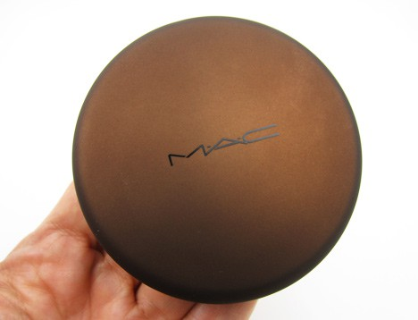 MAC Temperature Rising packaging