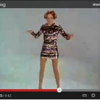 Twiggy dancing (Video)