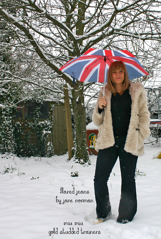 Vintage outfit in the snow