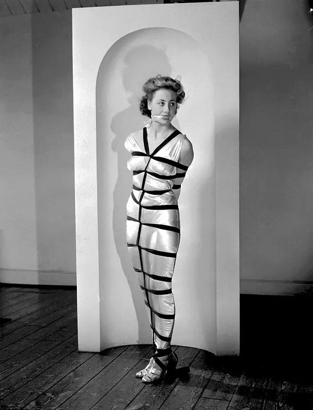 Vintage bondage in the 1940s