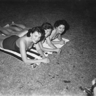 1950s swimsuit models