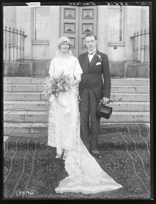 1920s wedding photos we heart vintage blog retro fashion 1920s wedding dress photo junglespirit Images