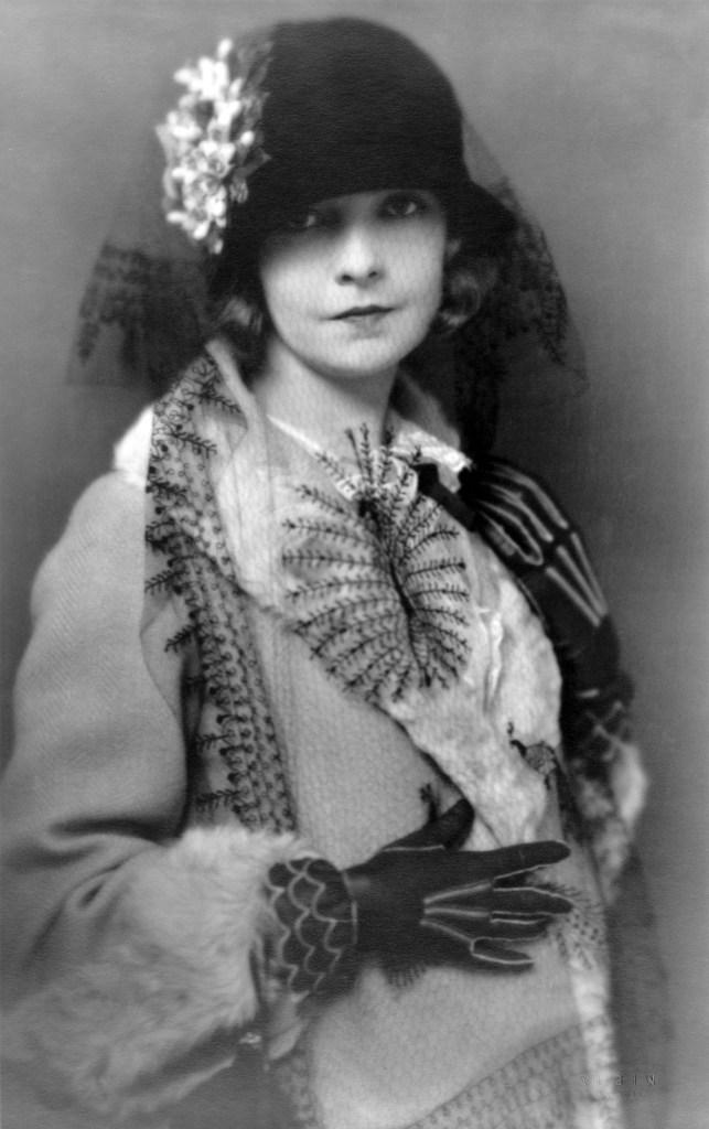 Silent movie actress Lillian Gish