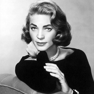 Lauren Bacall Looking Oh So Sophisticated