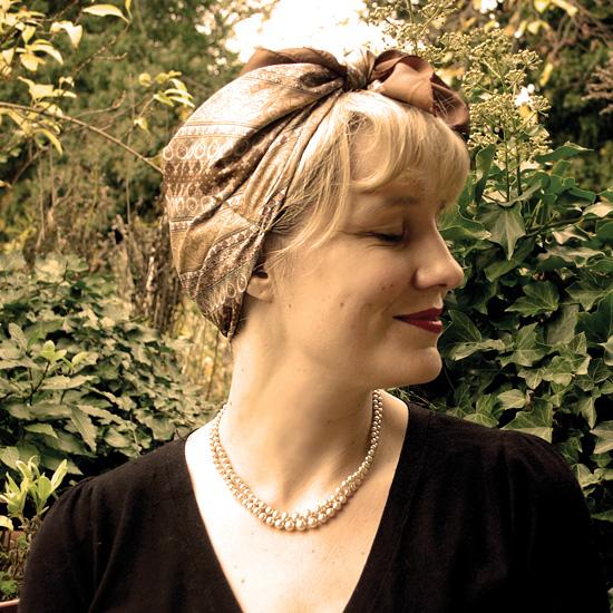 1940s headscarf