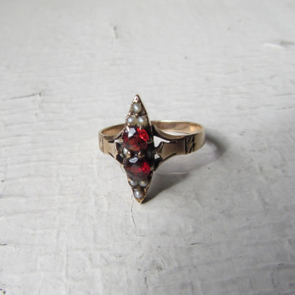Victorian 12k Solid Gold Ring With Garnets And Seed Pearls c.1880s