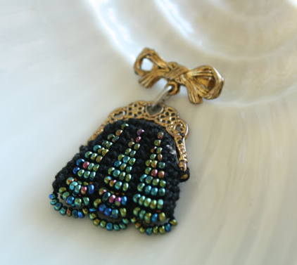Vintage Jewellery -- Handmade Gold Bow with Beaded Handbag Brooch