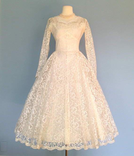 1950s Tea Length Ivory Lace Wedding Dress