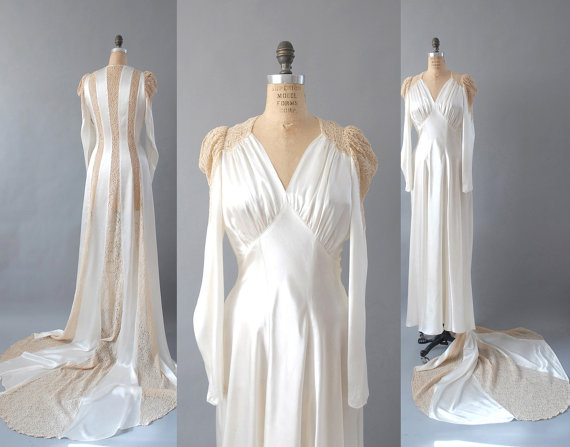 Vintage 1940s Wedding Dress