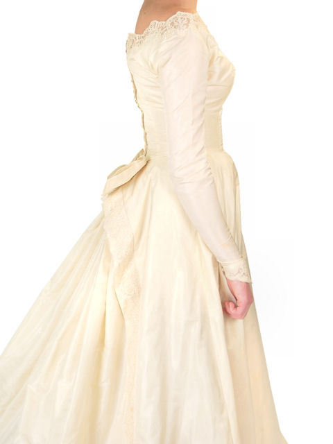 Vintage 1940s Champagne Ivory Silk Wedding Gown & Wax Look Headpiece
