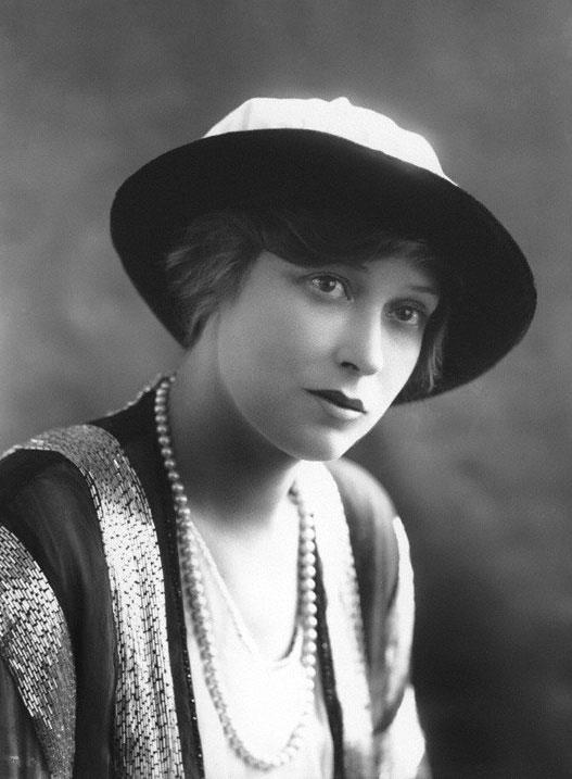 Silent Movie actress Grace Larue, 1913
