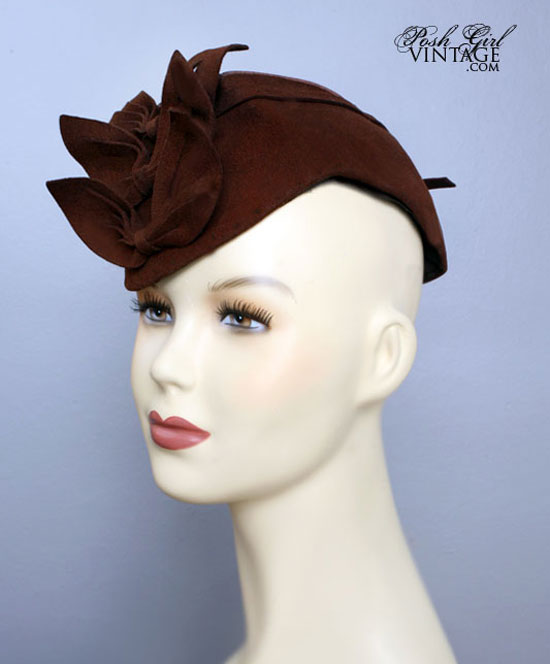 1930's Brown Tilt Top Hat With 3 Bows