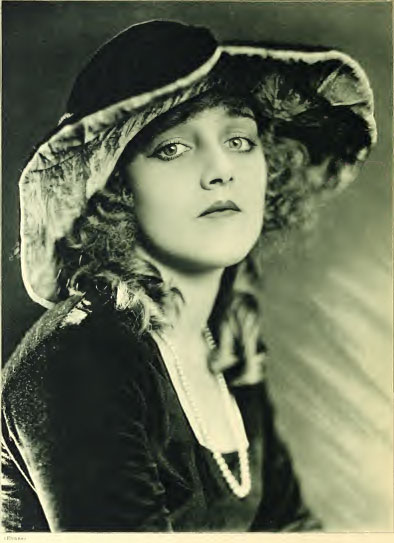 Silent Movie actress Mildred Davis