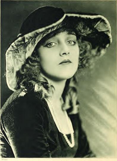 Silent Movie actress Mildred Davis