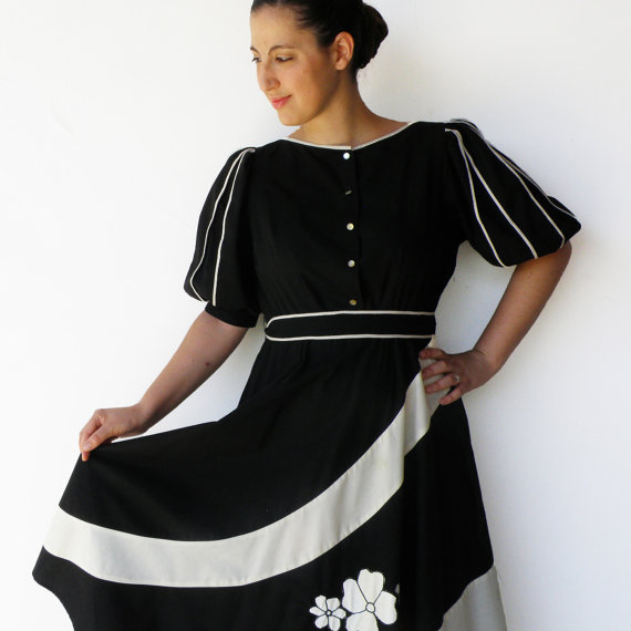 Vintage 1970s Black and White Cotton Day Dress
