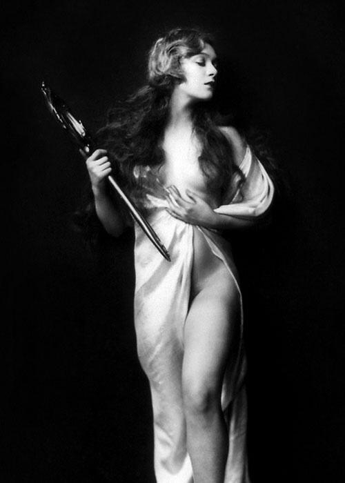 Ziegfeld Girl pinup