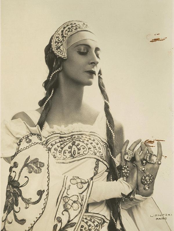 1930s ballet dancer Olga Spessitseva / Olga Spessiva